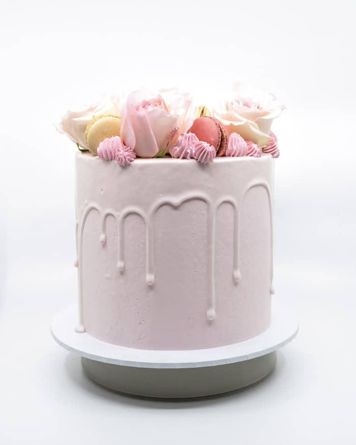 1 tier solid pink vanilla buttercake