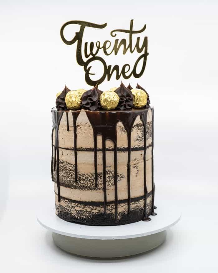1 tier semi naked Ferrero Roche chocolate buttercake