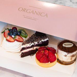 Organica takeaway cakes in box