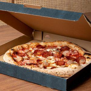 Organica takeaway pizza in box